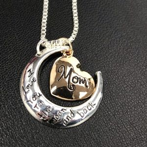 Jewelry - 🔥ON SALE🔥MOM Necklace